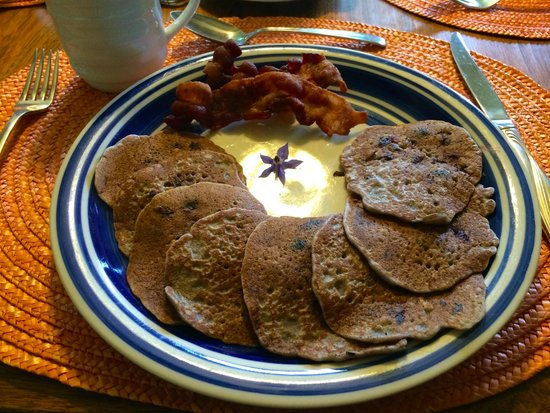 The Birches Bed and Breakfast: BLUEBERRY PANCAKES