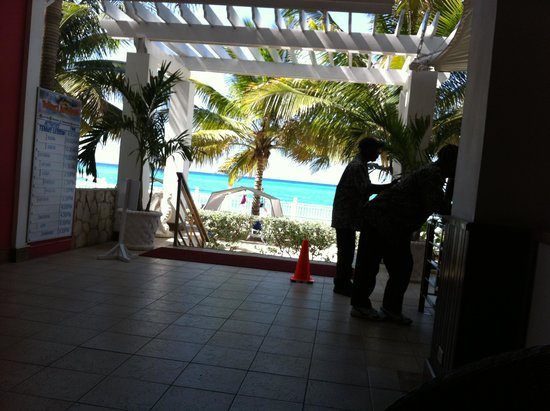 Royal Decameron Montego Beach: When you arrive first look