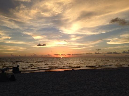 HB's on the Gulf: vista dal patio al tramonto