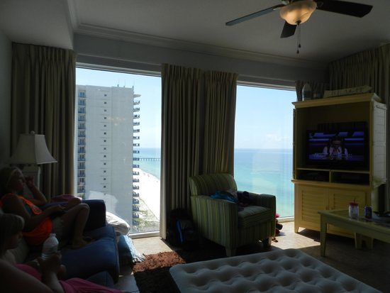 Tidewater Beach Resort : Living room view 2