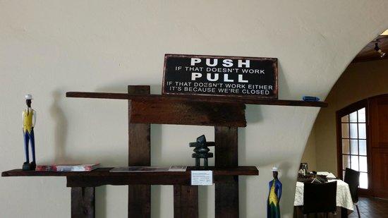Bush Pillow Guest House: The lobby