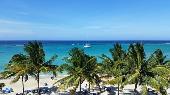 ClubHotel Riu Ocho Rios: Beautiful view of the beach from our room.