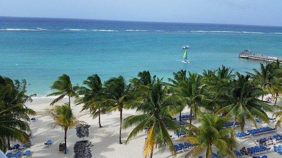 ClubHotel Riu Ocho Rios: Another beach view.