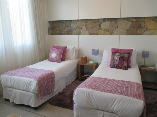 Mine Hotel Boutique: Room with twin beds