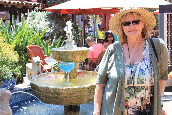 Casa De Reyes Restaurant: Margarita fountain