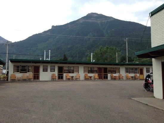 Bear Mountain Motel: Outside