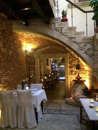 Veneto Boutique Hotel: near entrance to hote