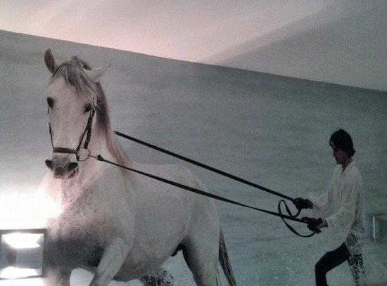 Hotel Iron Horse : Decoración de la habitación.