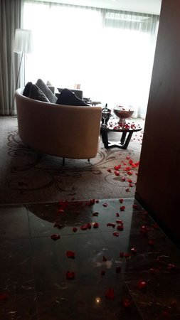 The Darling: Rose petals galore