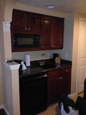 Hilton Grand Vacations at Tuscany Village: kitchen area
