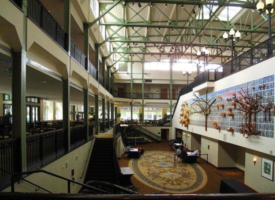 Sheraton Grand Sacramento Hotel: Lobby Area - Historic Public Market