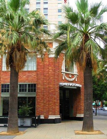 Sheraton Grand Sacramento Hotel Exterior