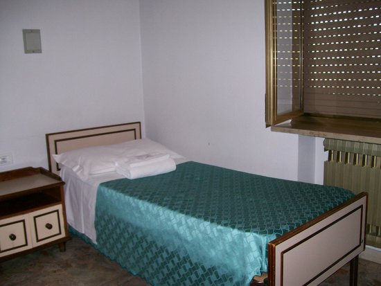 Congregazione Suore Dello Spirito Santo: 3rd bed in Triple Room Accommodation