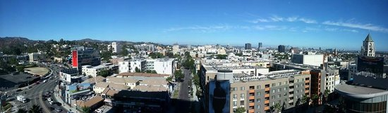 Loews Hollywood Hotel: Panorama view from the room
