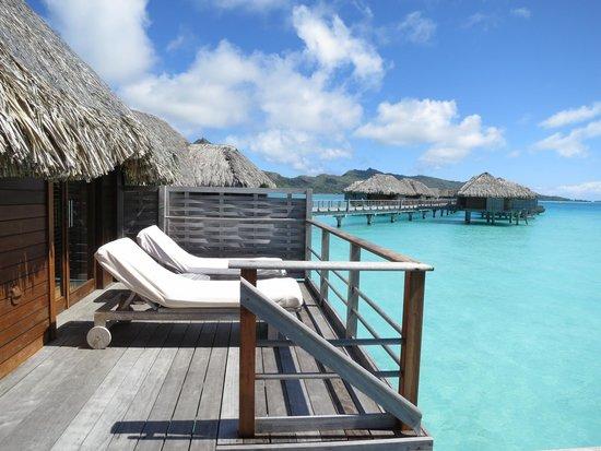 Four Seasons Resort Bora Bora: Bungalow living