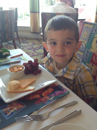 Citricos Lounge : My son loves the kid friendly appetizers - and delicious kids meals that are sustainable and fre