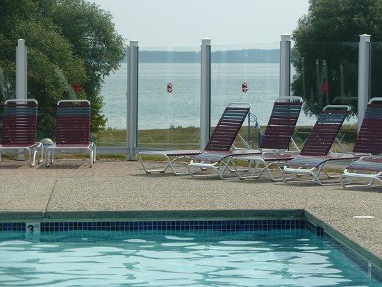 Best Western Harbour Pointe Lakefront: Outdoor Pool