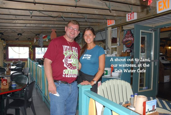 Settlers Saltwater Cafe: Our waitress was tops !