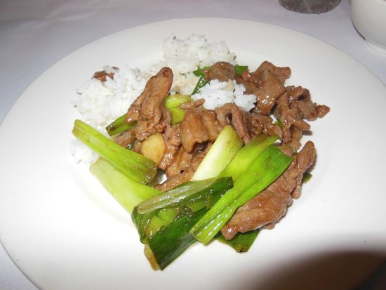 Oriental Pearl Restaurant : ginger beef with scallions
