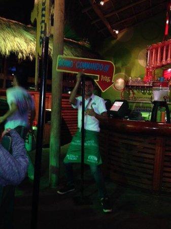 Senor Frog's: Entertaining staff!