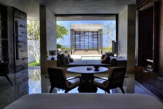 Alila Villas Uluwatu: View from Room into Private Cavana
