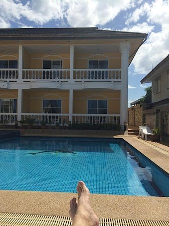 Sun Beach Guesthouse : View towards room 5!