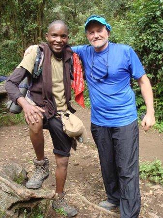 Kilimandscharo-Massiv (Kilimanjaro): Starting at Machame gate