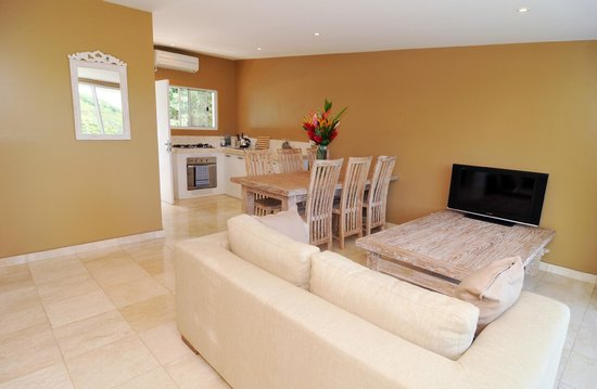 Mariner Apartments: Two Bedroom Apartment Lounge/Dining