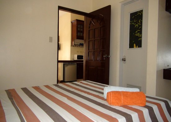 Squares Cafe & Apartments: Bedroom