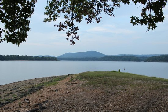 Shangri La Resort: Lake Ouachita