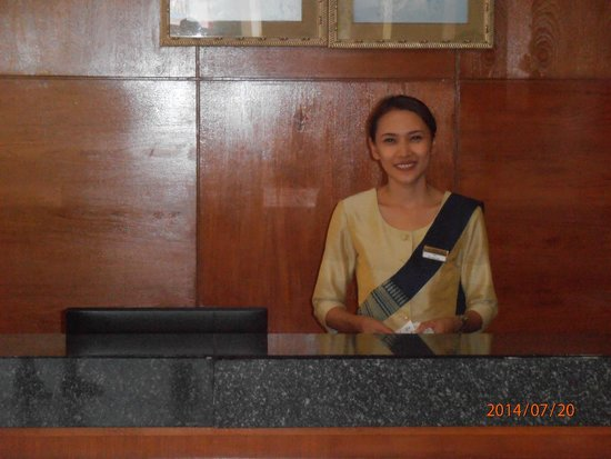 Horizon Patong Beach Resort & Spa : Naja great receptionist.