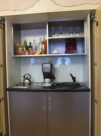 Smetana Hotel: リビングに付属のキッチン