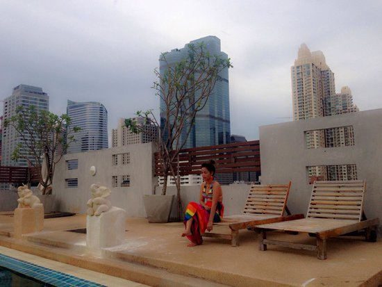 Sathorn Grace Serviced Residence : Roof top pool