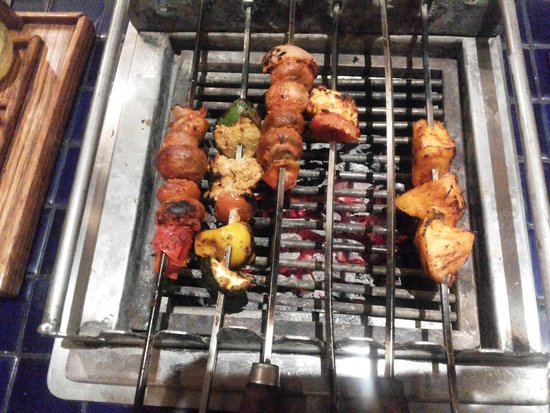 Barbeque Nation: Grilled items on a warm pit.....