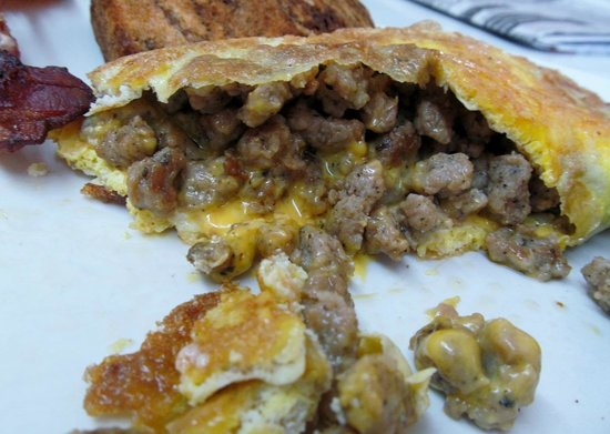 Sue-Z-Q's Family Dining: Yum! Want another one of these sausage and cheese omelets!