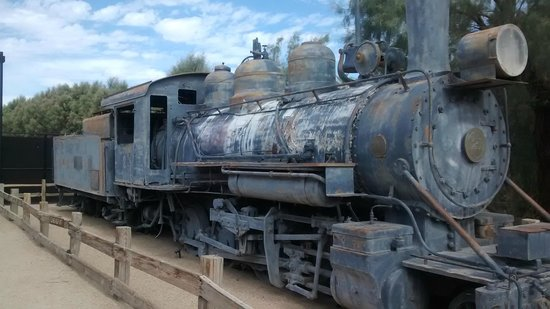 Furnace Creek Inn and Ranch Resort: old steam loco