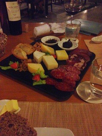 Mia Resort Nha Trang : Cheese and cold cuts platter