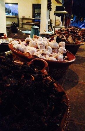 Los Tres Gallos: Baskets of spices