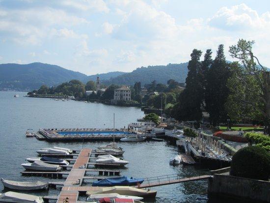 Villa d'Este: View over the pool