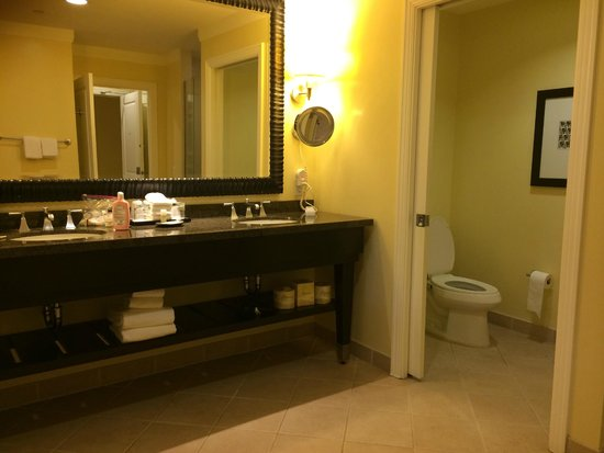 The Westin Kaanapali Ocean Resort Villas : Bathroom