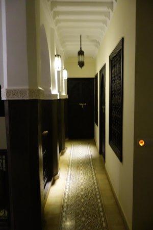 Riad Alnadine: Hallway