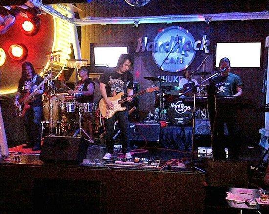 Hard Rock Cafe Phuket: Cover Band