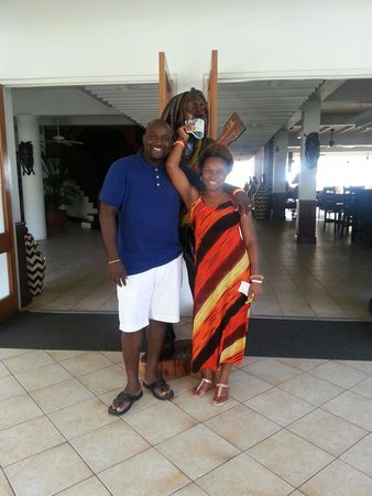 Royal Decameron Montego Beach: Me and my queen in the lobby