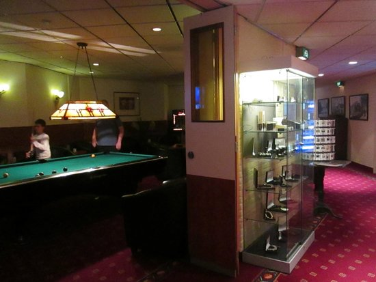 Hotel Restaurant De Nachtegaal: Billiard Corner
