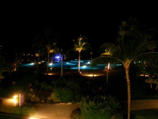 Mayan Palace Riviera Maya: poolside