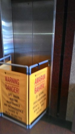 Grand Continental Kuantan: Lift under maintenance