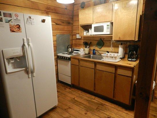 Getaway Cabins : Kitchen