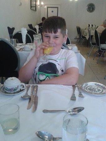 La Tour: enjoying his ice cream
