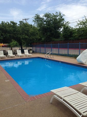 Best Western Executive Inn : Clean and quiet pool, kids enjoyed it