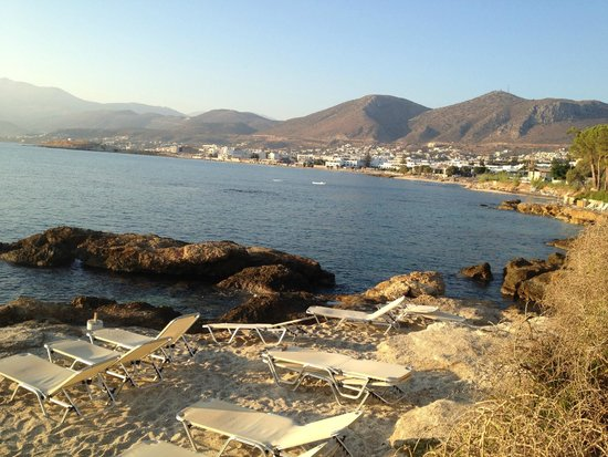 Hersonissos Maris Hotel and Suites : Наш пляж к вечеру